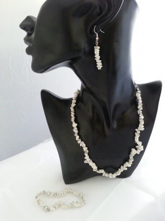 White Howlite Necklace, Earrings and bracelet Set